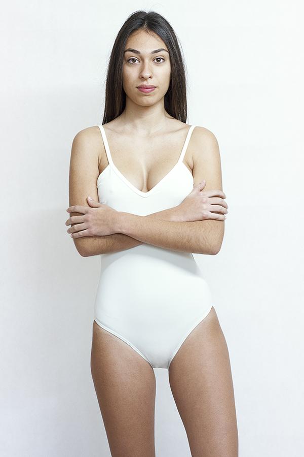 Bañador blanco ecologico Moda baño sostenible - Ilovebelove